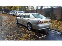 Lexus is200 SE