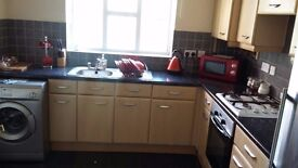 ROOMS TO LET IN A FULLY FURNISHED HOUSE WITH 3 TOILETS AND 2 BATHROOM IN MOSTON MANCHESTER