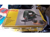 **BOSCH JIGSAW**FULLY WORKING**VERY SHARP**WORKS PERFECTLY**HARDLY USED***COMES WITH A BLADE**