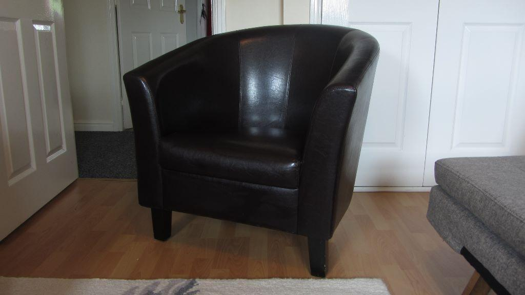 Faux Leather Brown Tub Chair in Dunblane Stirling Gumtree : 86 from www.gumtree.com size 1024 x 576 jpeg 43kB