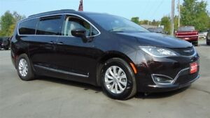 2017 Chrysler Pacifica TOURING - LEATHER  - NAVIGATION