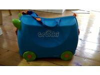 trunkie suitcase ride on child children carry on luggage holiday