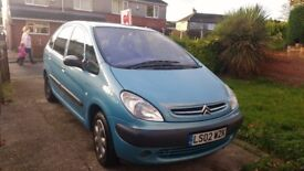 Diesel Picasso mpv, 1 previous owner , some service history, MOT untill March 2018