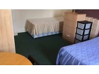 ''Lovely double room available now in Cricklewood""