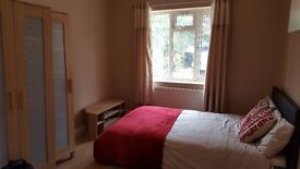 STUDIO FLAT SELF CONTAINED WITH SEPARATE ENTRANCE - EN-SUITE, KITCHENETTE . All Bills Incl.