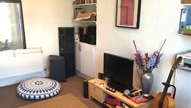 1 bed ground floor flat with private garden in Station Road, Finchley Central £1350pcm