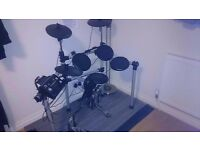Gear4Music Electric Drum Kit w/ free double pedals ( drumkit electronic drums )