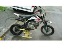 Stomp 140 cc
