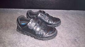 Boys Clarks school shoes - size 12f - excellent condition