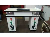 profesional manicure table