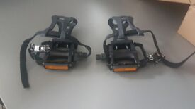 Wellgo M085 Pedals with Cages - Road Racing bike - Brand New