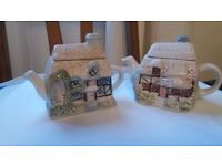 Teapots Pair of Country Cottages £5 pair or £3 each