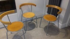 3 chairs - contemporary bistrot/cafe style
