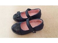 Kids shoes - size 9