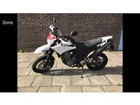 2009 09reg Yamaha XT660x Supermoto White black