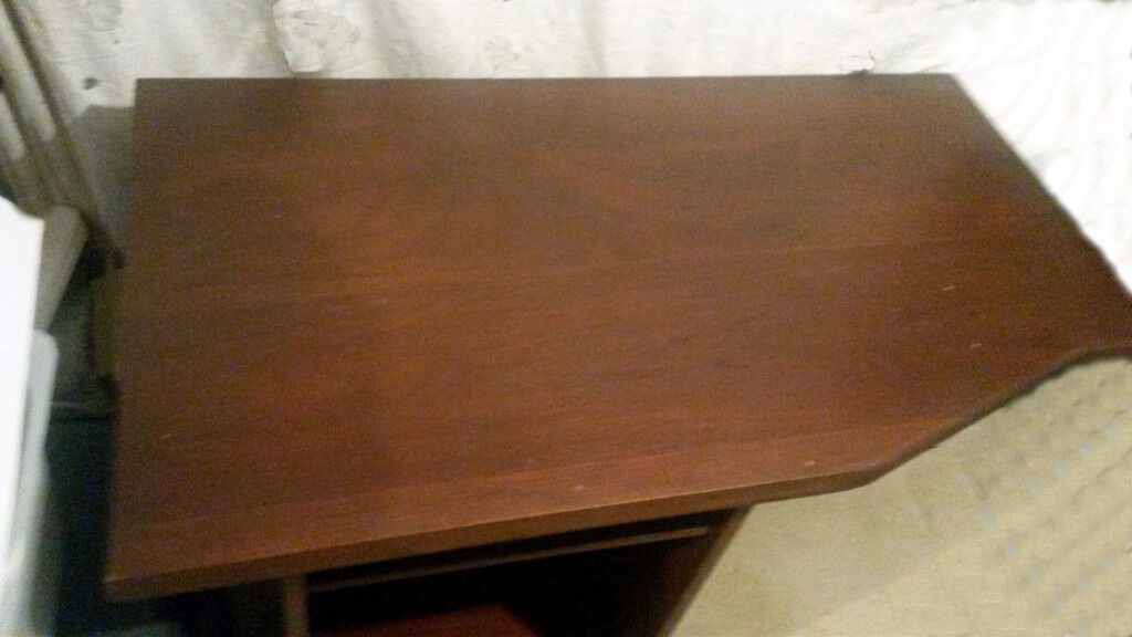 Special Mahogany PC Desk
