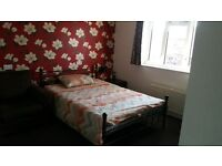 Large Double Room (with Sofa) only for £500 PM available for working couple(Non Smoker)
