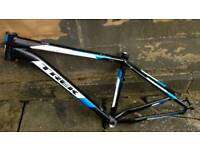 Trek 4700D 2013 Medium Frame