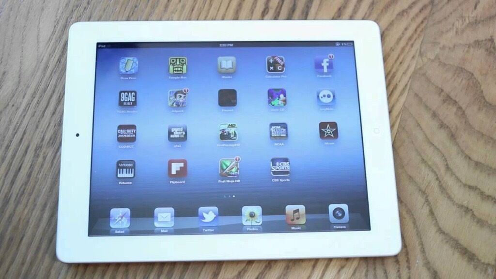 Ipad 3 32GB White W/Casein Salford, ManchesterGumtree - Ipad 3 32GB in Fantastic condition. Comes with charger and free case. Please email with questions. Thanks