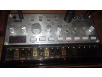 korg volca beats + bass   analog mono synth + drum machine