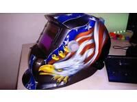 Solar auto welding helmet