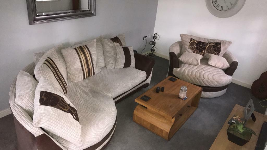 Scs Kirk Cuddle Sofa Swivel Chair Rrp 1400