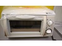 New mini Oven, Grill, Toaster 6 Litre capacity 800 watts
