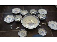 a chinnesee bowl set