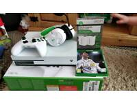 Brand new - Xbox one S 1tb, fifa18 disk, white turtle beach, 2 x Rechargeable batteries