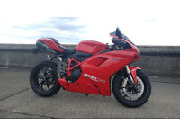 Ducati 848 Evo Corsa SE - New MOT, Service and Valve Clearance