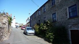 Large 1 bedroom flat in lovely Laugharne