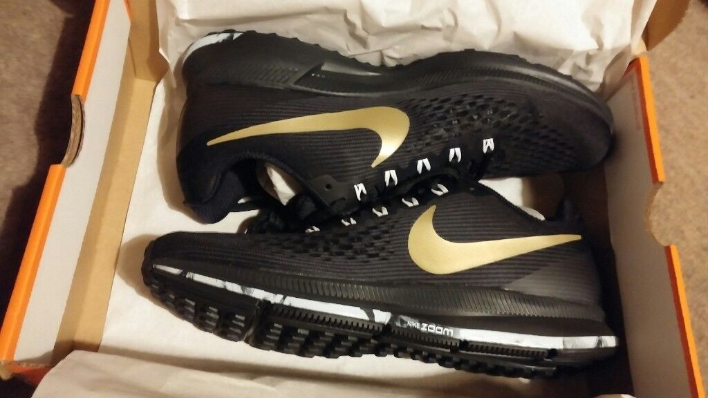 077056237fc NIKE AIR ZOOM PEGASUS 34 MEN S RUNNING SHOE UK Size 8.5 Black Gold