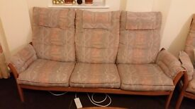 3 Seats Sofa/ 2armchairs & coffe table with glass