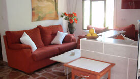 beautiful spanish holiday apartments 1 and 2 beds, fully equiped, sky tv.