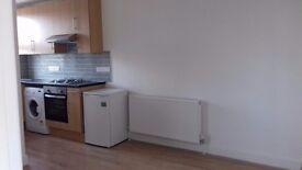 2 Bedroom 3rd Floor Flat TO LET in Honeypot Lane, Stanmore