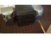 hi fi with speakers