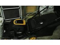 McCUllock petrol lawn mower m40 125