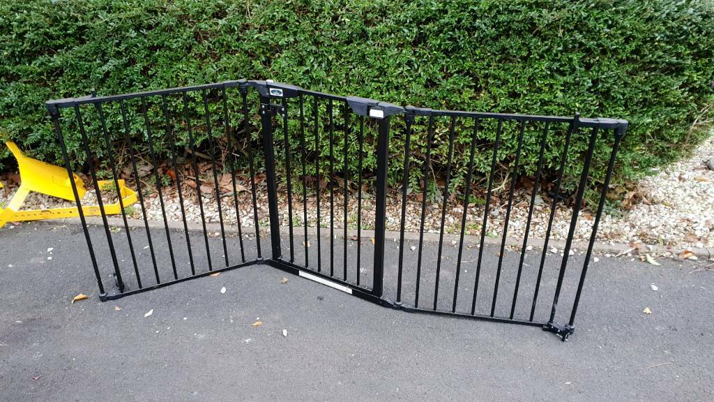 Large Double Door Dog Child Gate In Worcester Worcestershire