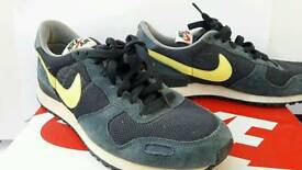 New Nike trainers size 7