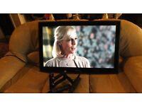 Samsung 40 inch wall mountable LCD TV