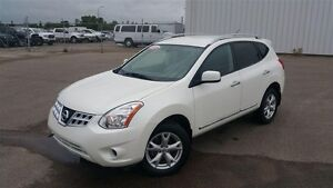 2011 Nissan Rogue SV Pearl White AWD