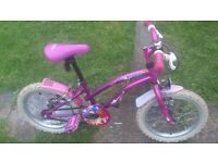 16IN GIRLS BIKE WITH STABILISERS SUPERB