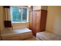 Twin Room in Canary Wharf