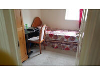 Large single room available for rent in Ilford
