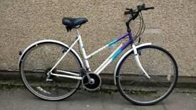 Ladies Raleigh Pioneer hybrid touring bike