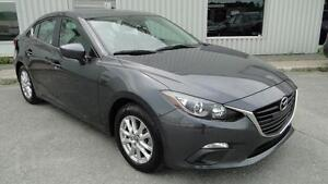 2015 Mazda Mazda3 GS ** 31 000km / carproof clean **