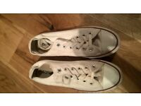 Unisex White Converse All Stars Trainers - Size 7