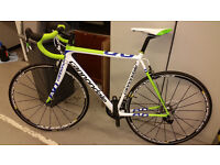 Cannondale Supersix Evo Full Carbon Road Bike with SRAM Red Groupset and Mavic Ksyrium Elite Wheels