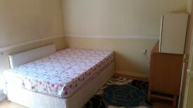 In Woolwich Arsenal One Master Bedroom, £475 One person £550 Couple .......Please Don't miss....