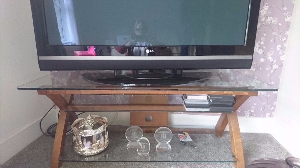 Glass top tv tablein Toomebridge, County AntrimGumtree - Glass top table for sale. Very strong £40 thanks for looking.. Have a look at my other items